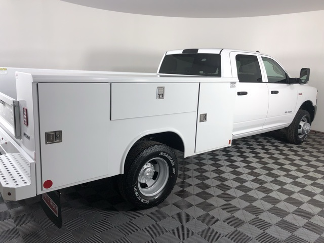 2019 Ram 3500 Crew Cab DRW 4x4, Reading Classic II Steel Service Body #M191572 - photo 4