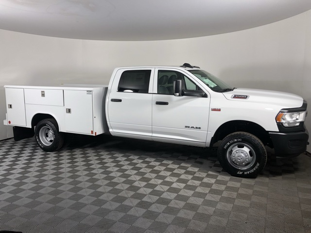 2019 Ram 3500 Crew Cab DRW 4x4, Reading Classic II Steel Service Body #M191572 - photo 5