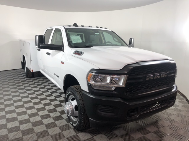 2019 Ram 3500 Crew Cab DRW 4x4, Reading Classic II Steel Service Body #M191572 - photo 6
