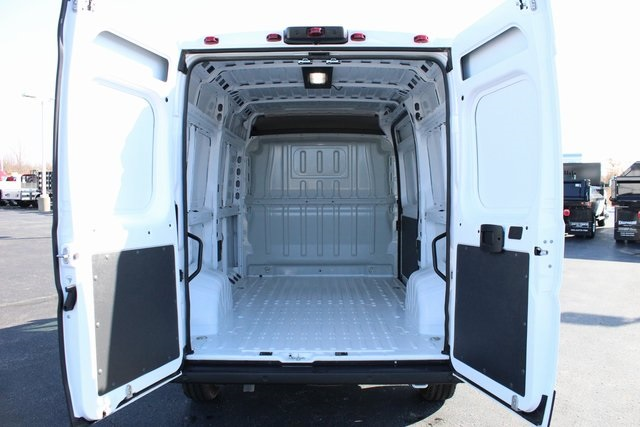 2019 ProMaster 2500 High Roof FWD, Empty Cargo Van #M191634 - photo 2