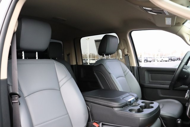 2019 Ram 5500 Crew Cab DRW 4x4, Knapheide Drop Side Dump Body #M191636 - photo 31
