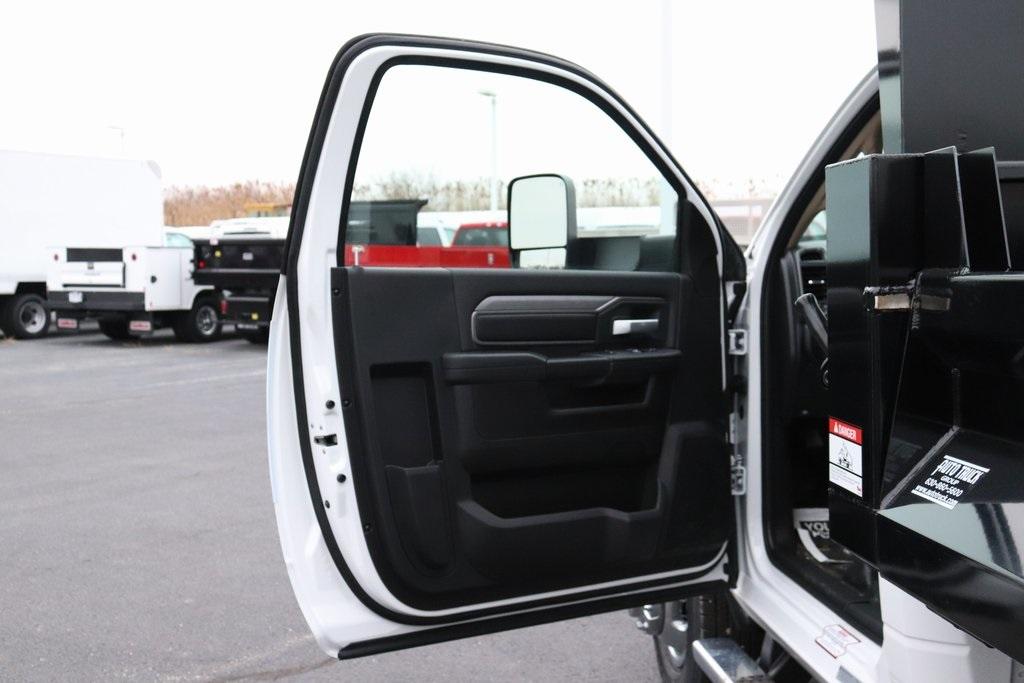 2019 Ram 3500 Regular Cab DRW 4x4, Imperial Dump Body #M191686 - photo 22