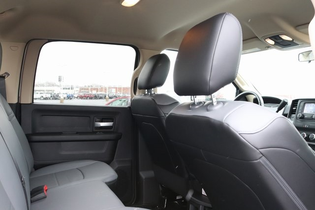 2019 Ram 3500 Crew Cab DRW 4x4, Monroe Tow 'N Haul Gooseneck Platform Body #M191837 - photo 31