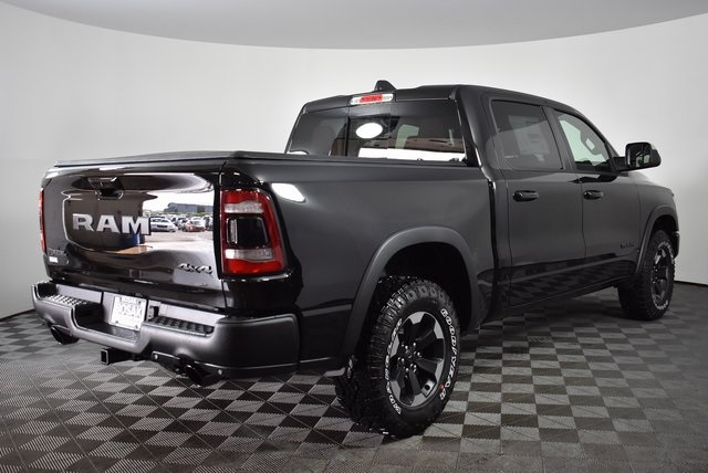 2019 Ram 1500 Crew Cab 4x4,  Pickup #M19283 - photo 5