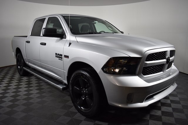 2019 Ram 1500 Crew Cab 4x4,  Pickup #M19427 - photo 7