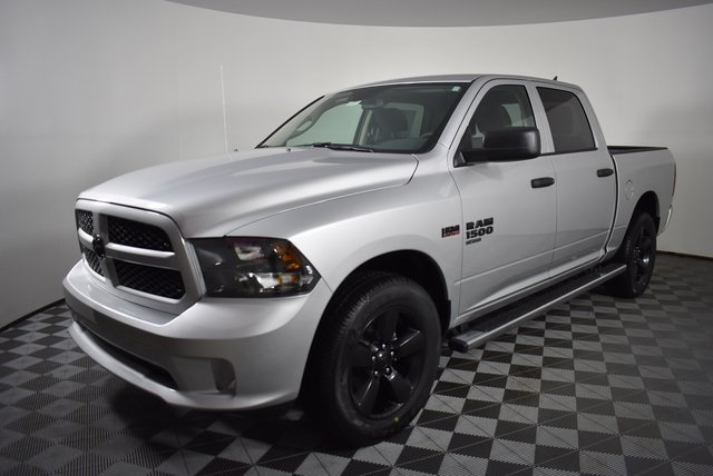 2019 Ram 1500 Crew Cab 4x4,  Pickup #M19427 - photo 9