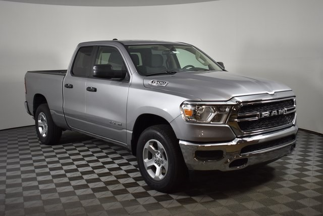 2019 Ram 1500 Quad Cab 4x4,  Pickup #M19481 - photo 7
