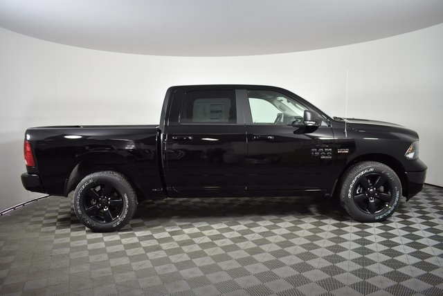 2019 Ram 1500 Crew Cab 4x4,  Pickup #M19757 - photo 6