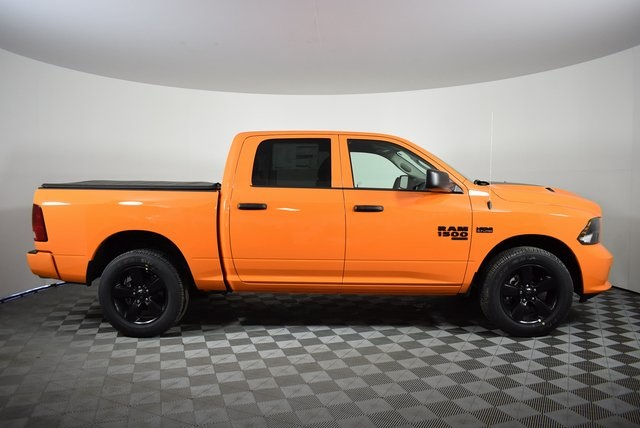 2019 Ram 1500 Crew Cab 4x4,  Pickup #M19759 - photo 6