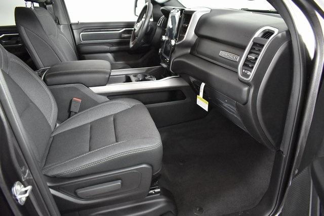 2020 Ram 1500 Crew Cab 4x4, Pickup #M20034 - photo 34