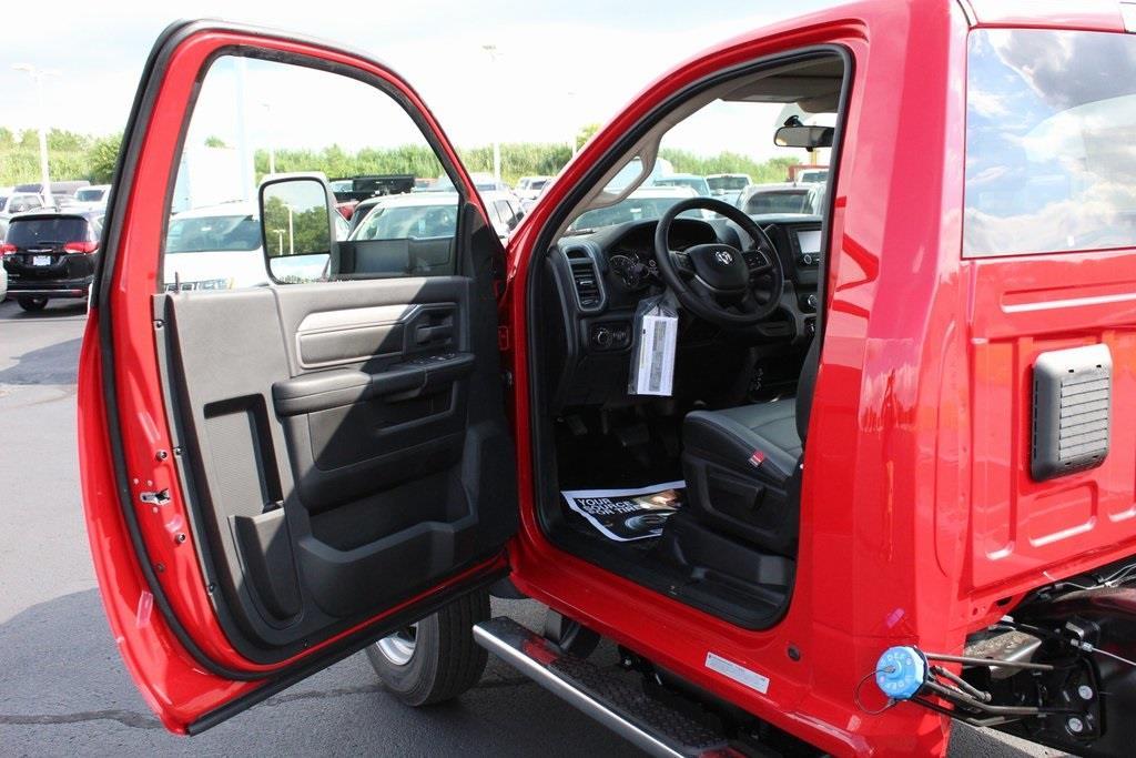 2020 Ram 5500 Regular Cab DRW 4x4, Cab Chassis #M201008 - photo 13