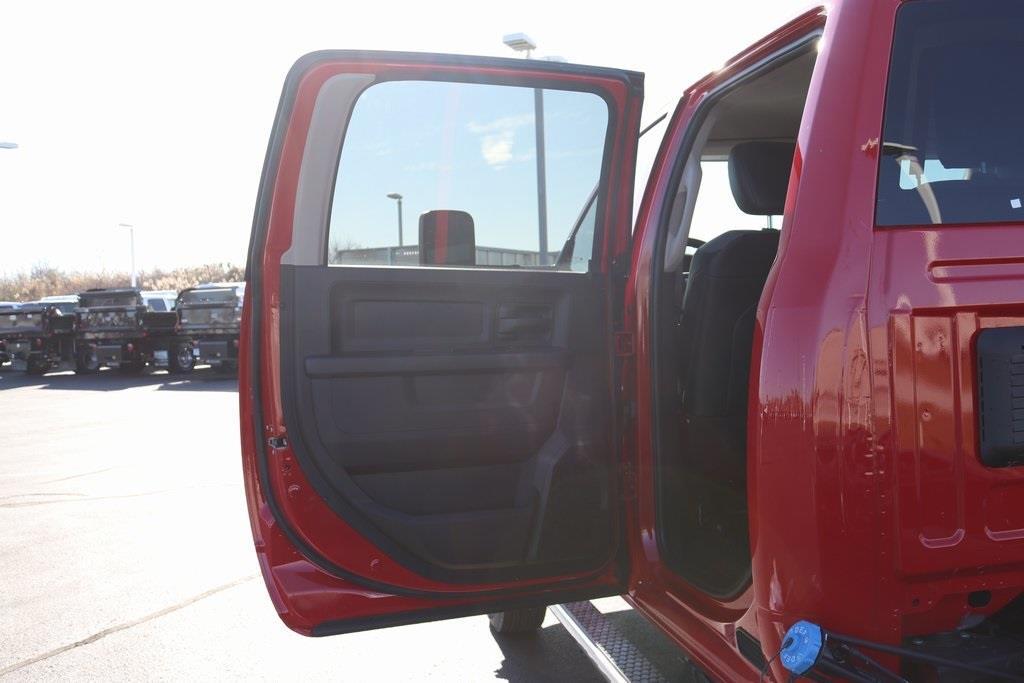 2020 Ram 5500 Crew Cab DRW 4x4, Cab Chassis #M201201 - photo 27