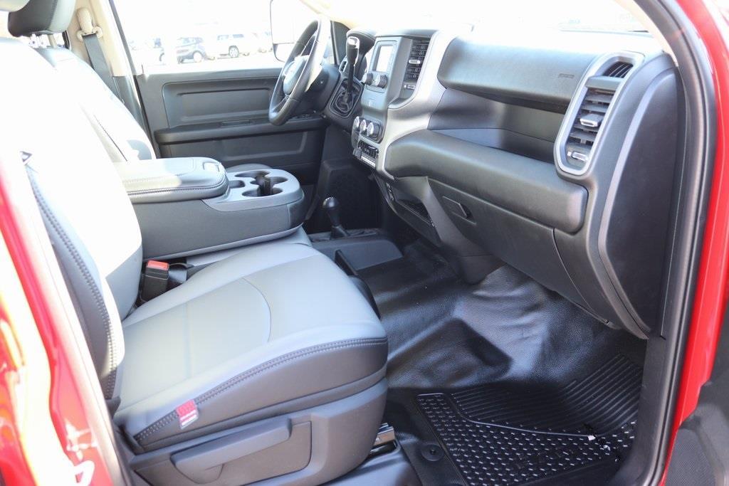 2020 Ram 5500 Crew Cab DRW 4x4, Cab Chassis #M201201 - photo 32