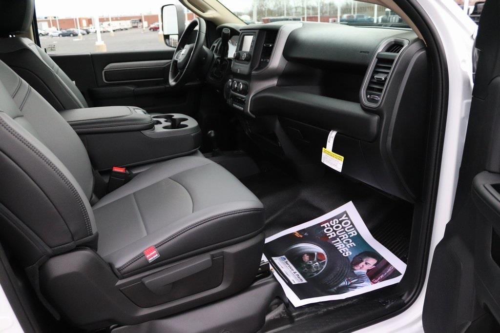 2020 Ram 5500 Regular Cab DRW 4x4, Platform Body #M201344 - photo 27