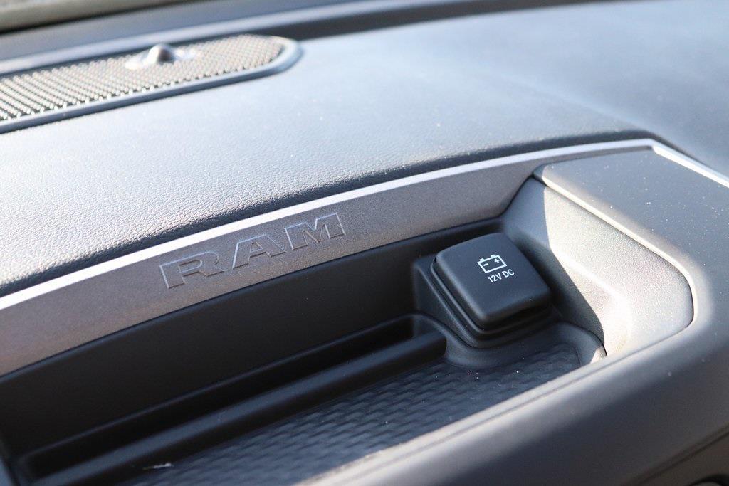 2020 Ram 5500 Regular Cab DRW 4x4, Cab Chassis #M201360 - photo 17
