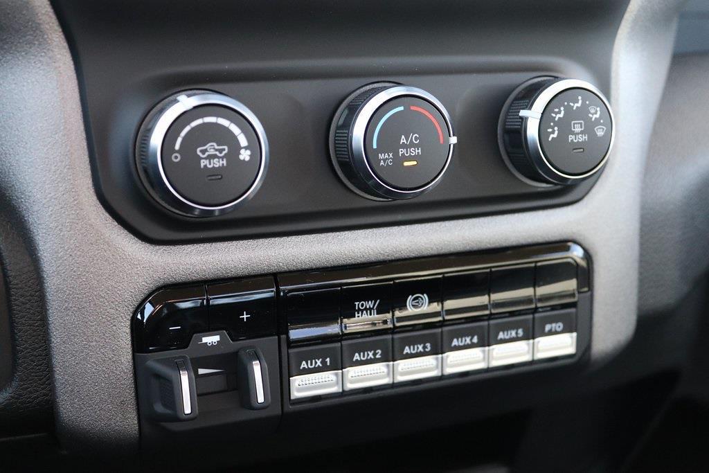 2020 Ram 5500 Regular Cab DRW 4x4, Cab Chassis #M201360 - photo 19