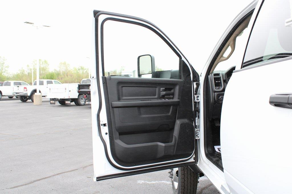 2020 Ram 5500 Crew Cab DRW 4x4, Service Body #M201371 - photo 25