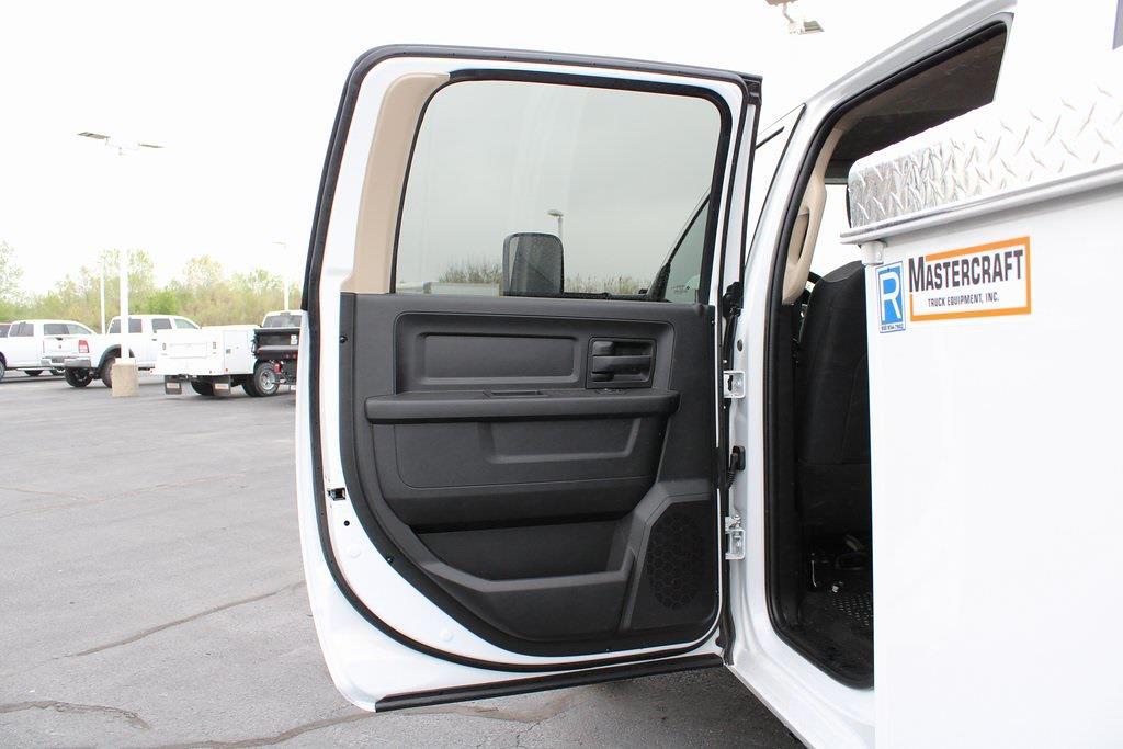 2020 Ram 5500 Crew Cab DRW 4x4, Service Body #M201371 - photo 28