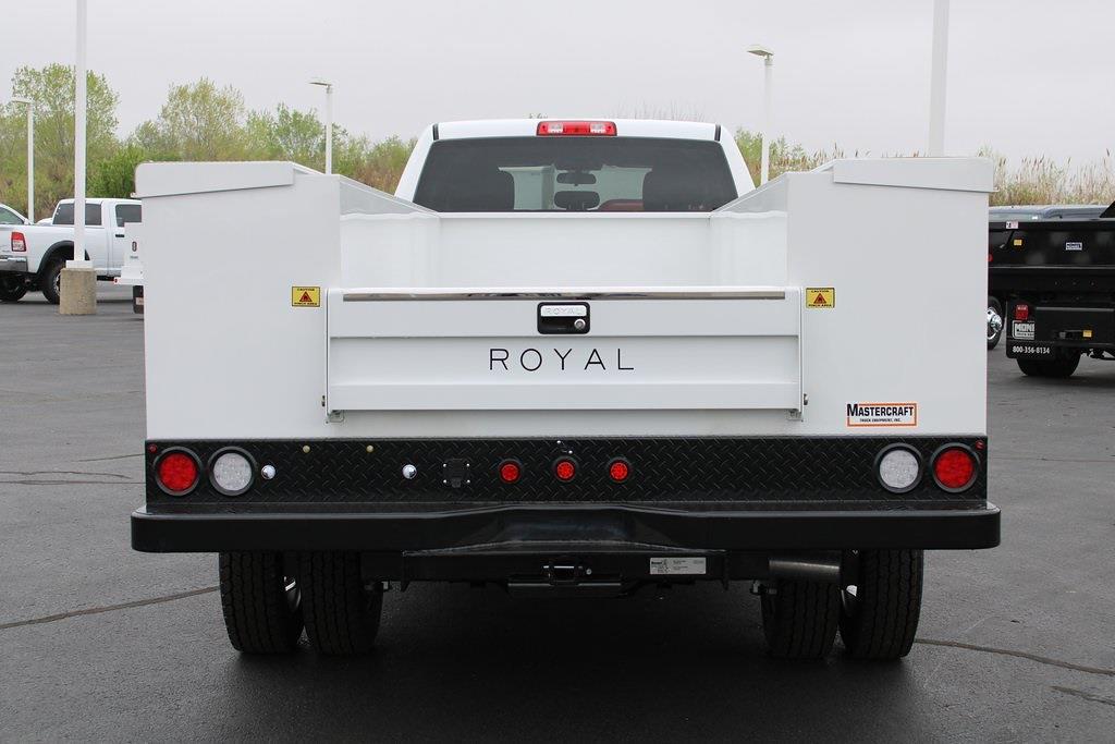 2020 Ram 5500 Crew Cab DRW 4x4, Service Body #M201371 - photo 4
