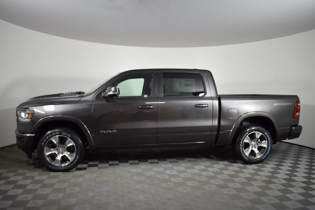 2020 Ram 1500 Crew Cab 4x4, Pickup #M20166 - photo 3