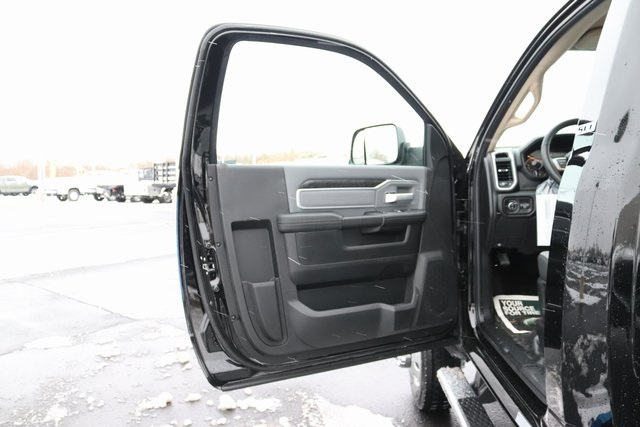 2020 Ram 4500 Regular Cab DRW 4x4, Cab Chassis #M20453 - photo 16