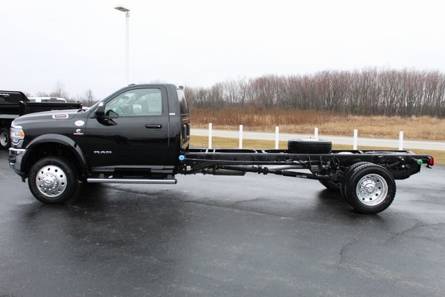 2020 Ram 4500 Regular Cab DRW 4x4, Cab Chassis #M20454 - photo 3