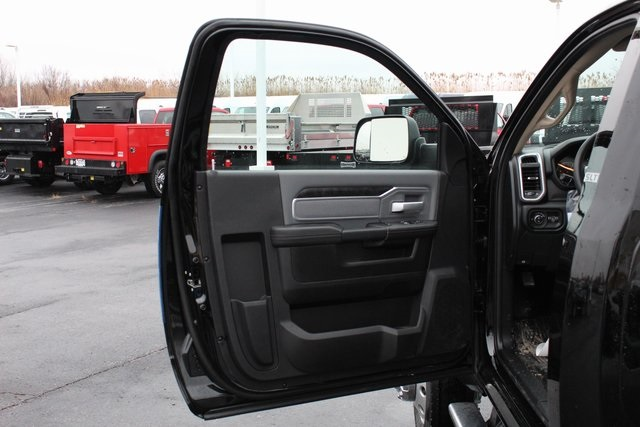 2020 Ram 4500 Regular Cab DRW 4x4, Cab Chassis #M20454 - photo 9