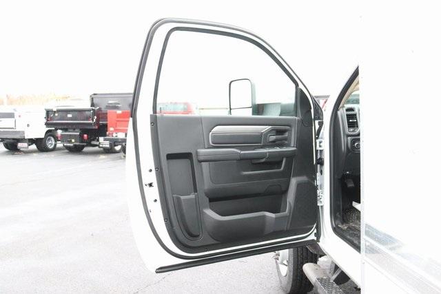 2020 Ram 5500 Regular Cab DRW 4x2, Bay Bridge Classic Cutaway Van #M20587 - photo 20