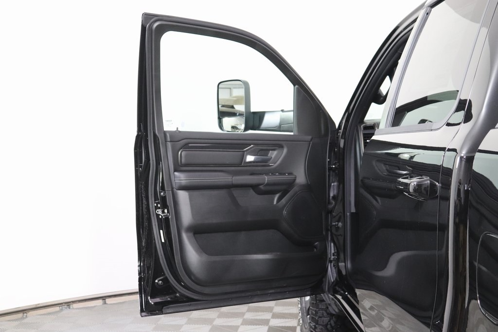 2020 Ram 1500 Crew Cab 4x4, Pickup #M20796 - photo 27