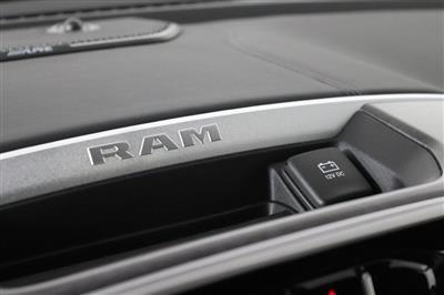 2021 Ram 1500 Crew Cab 4x4, Pickup #M210388 - photo 18