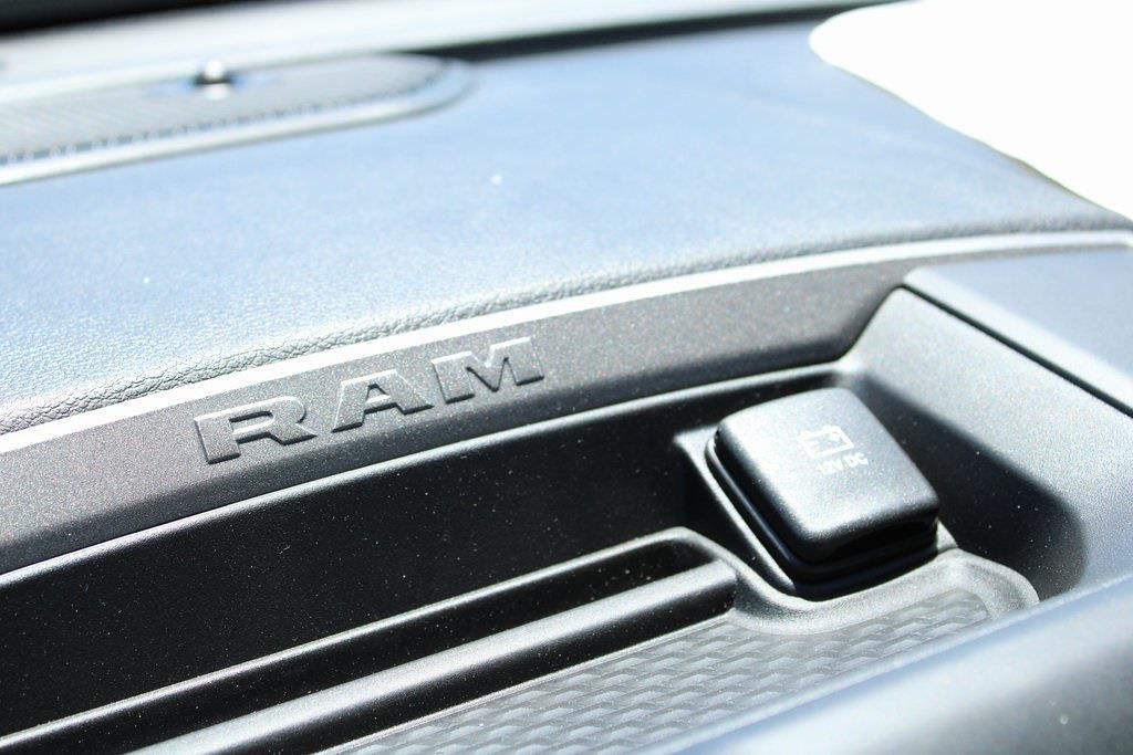 2021 Ram 3500 Regular Cab DRW 4x4,  Reading SL Service Body #M210796 - photo 15
