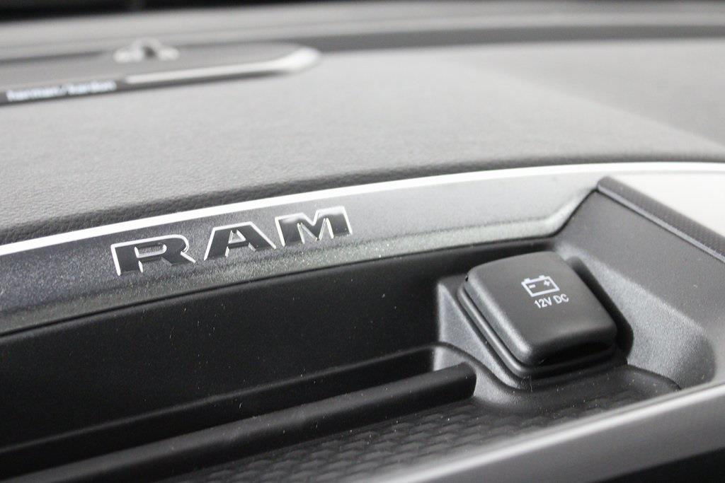 2021 Ram 1500 Crew Cab 4x4, Pickup #M210822 - photo 18