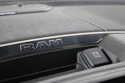 2021 Ram 1500 Crew Cab 4x4, Pickup #M210829 - photo 18