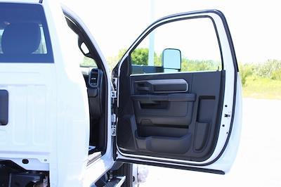 2021 Ram 5500 Regular Cab DRW 4x4, Knapheide Value-Master X Platform Body #M210850 - photo 27