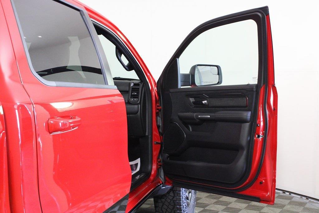 2021 Ram 1500 Crew Cab 4x4, Pickup #M210979 - photo 40