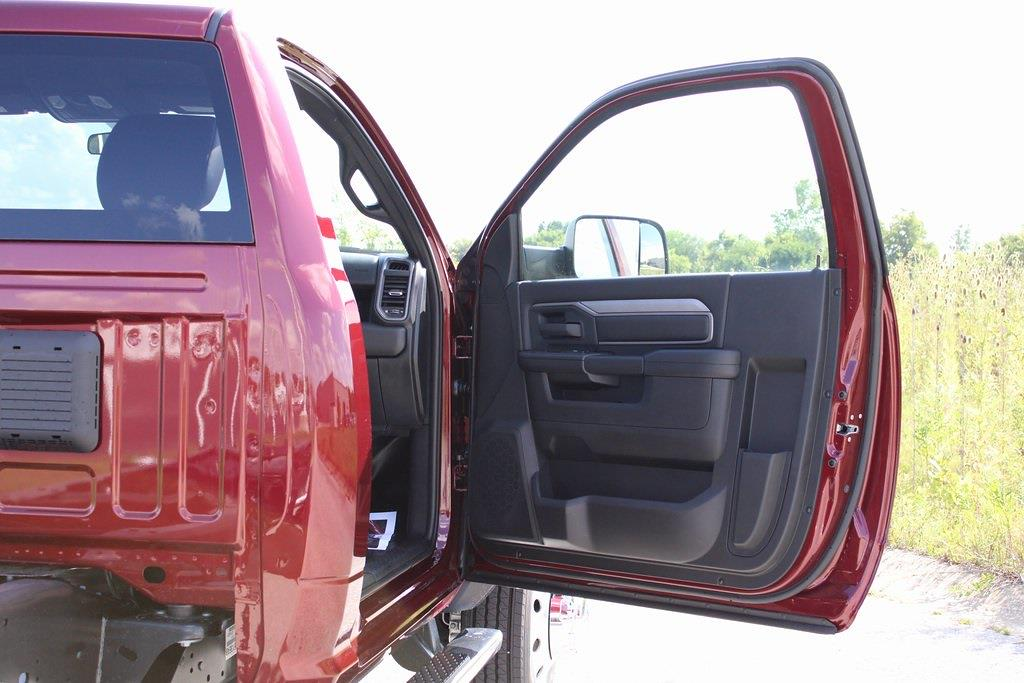 2021 Ram 5500 Regular Cab DRW 4x4,  Cab Chassis #M211062 - photo 24