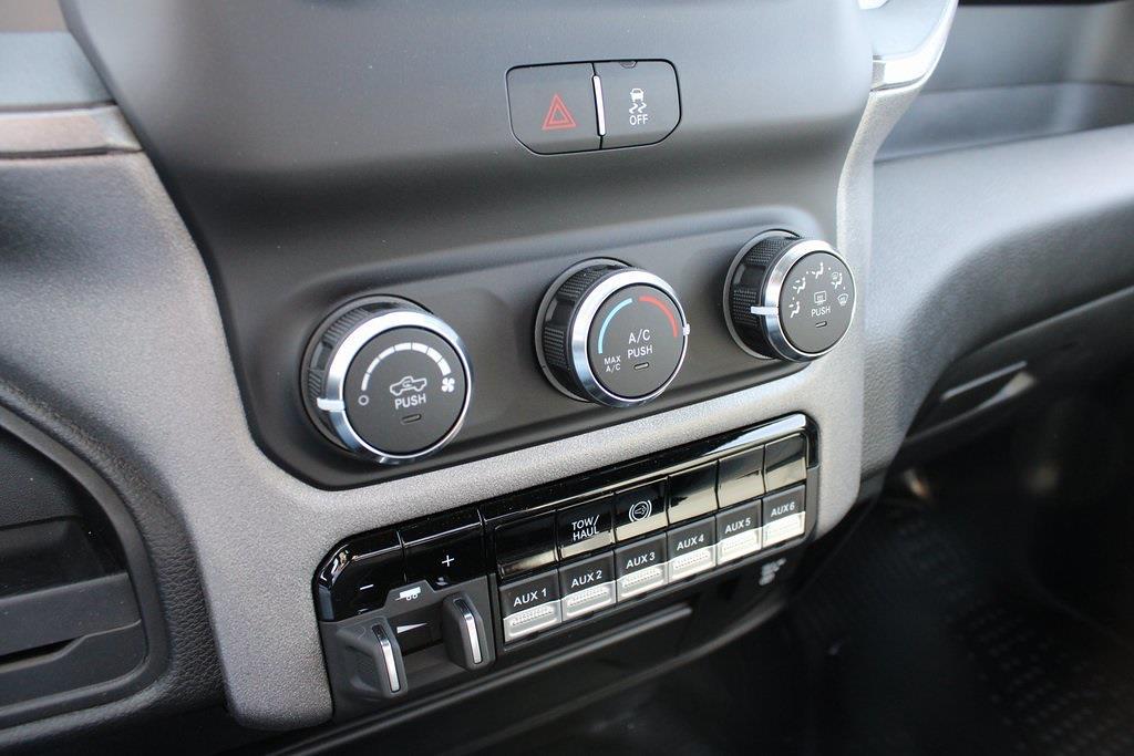 2021 Ram 4500 Regular Cab DRW 4x4,  Platform Body #M211151 - photo 17