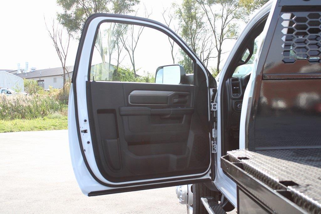 2021 Ram 4500 Regular Cab DRW 4x4,  Platform Body #M211151 - photo 22