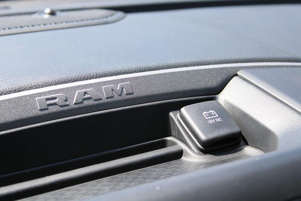 2021 Ram 5500 Crew Cab DRW 4x4,  Cab Chassis #M212010 - photo 19