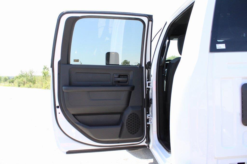 2021 Ram 5500 Crew Cab DRW 4x4,  Cab Chassis #M212010 - photo 28