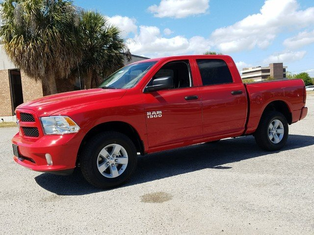2017 Ram 1500 Crew Cab 4x4,  Pickup #L39 - photo 3