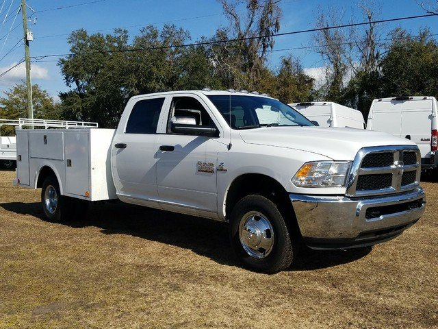 2018 Ram 3500 Crew Cab DRW 4x4, Warner Service Body #R136618 - photo 3