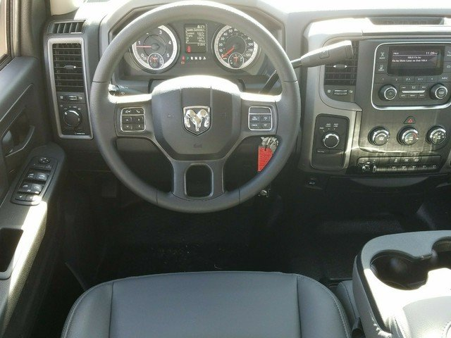 2018 Ram 3500 Crew Cab DRW 4x4, Warner Service Body #R136618 - photo 6