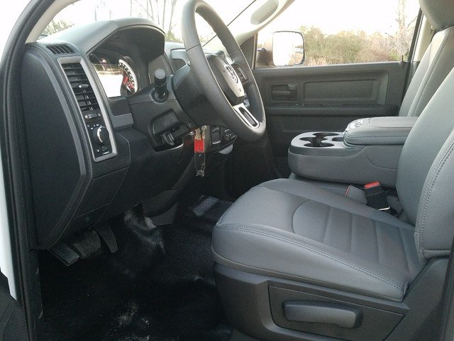 2018 Ram 2500 Crew Cab 4x4, Warner Service Body #R166133 - photo 4
