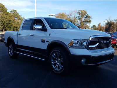2018 Ram 1500 Crew Cab 4x4 Pickup #R187609 - photo 3