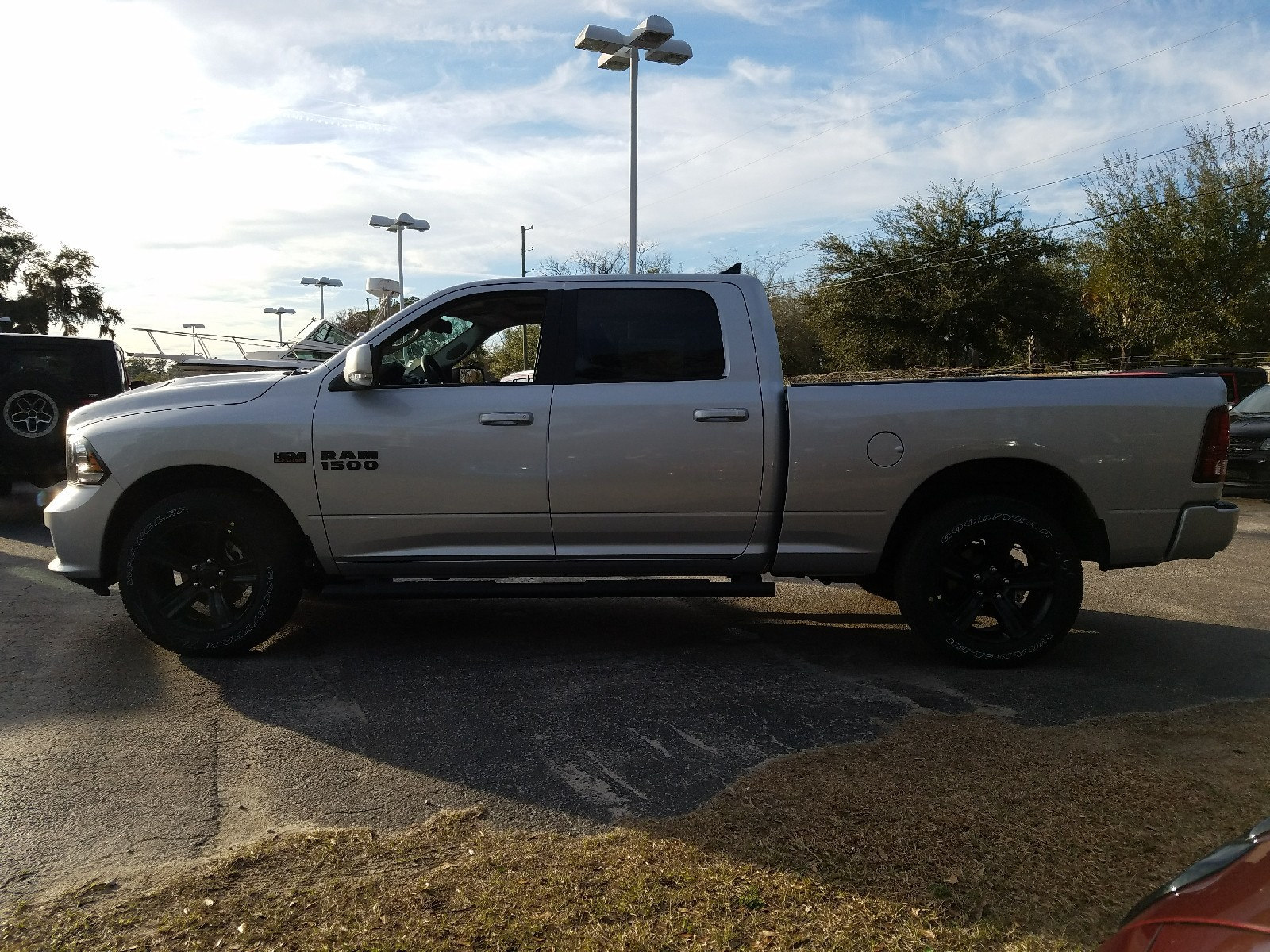 2018 Ram 1500 Crew Cab 4x4, Pickup #R191022 - photo 3
