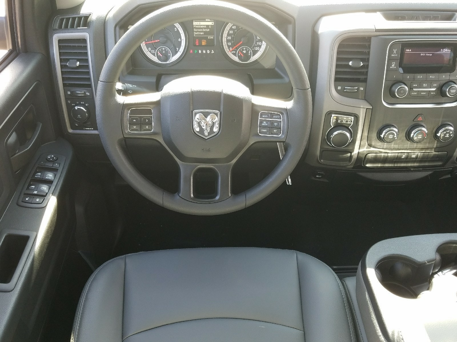 2018 Ram 1500 Crew Cab, Pickup #R193234 - photo 7