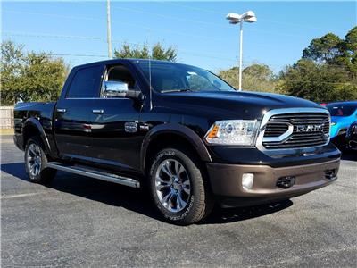 2018 Ram 1500 Crew Cab 4x4, Pickup #R197719 - photo 3