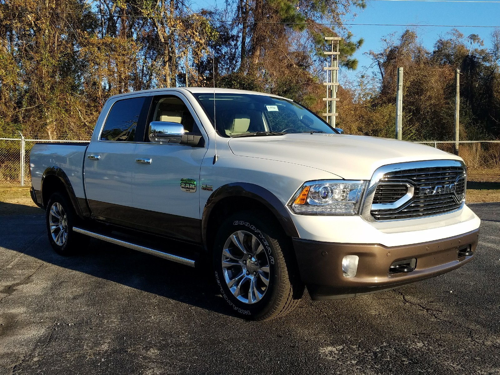 2018 Ram 1500 Crew Cab 4x4, Pickup #R197720 - photo 3