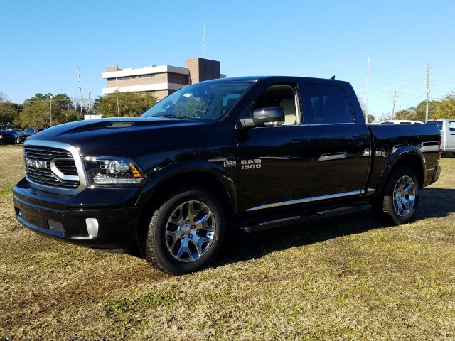 2018 Ram 1500 Crew Cab 4x4,  Pickup #R224231 - photo 1